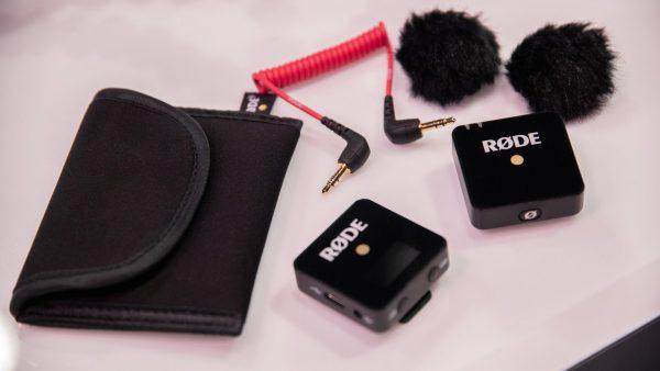 میکروفون یقه ای بی سیم رود مدل Wireless GO برای تولید محتوا